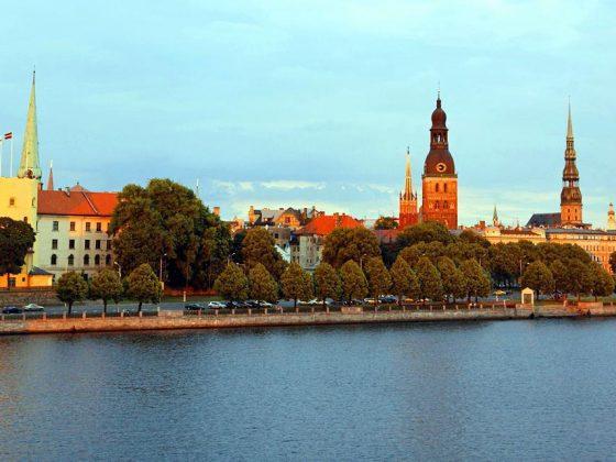 quand partir lettonie