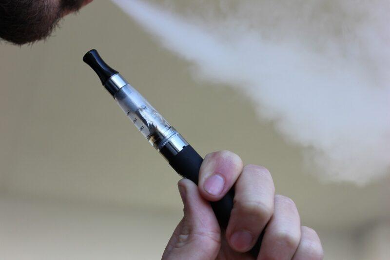 e-cigarette-voyage